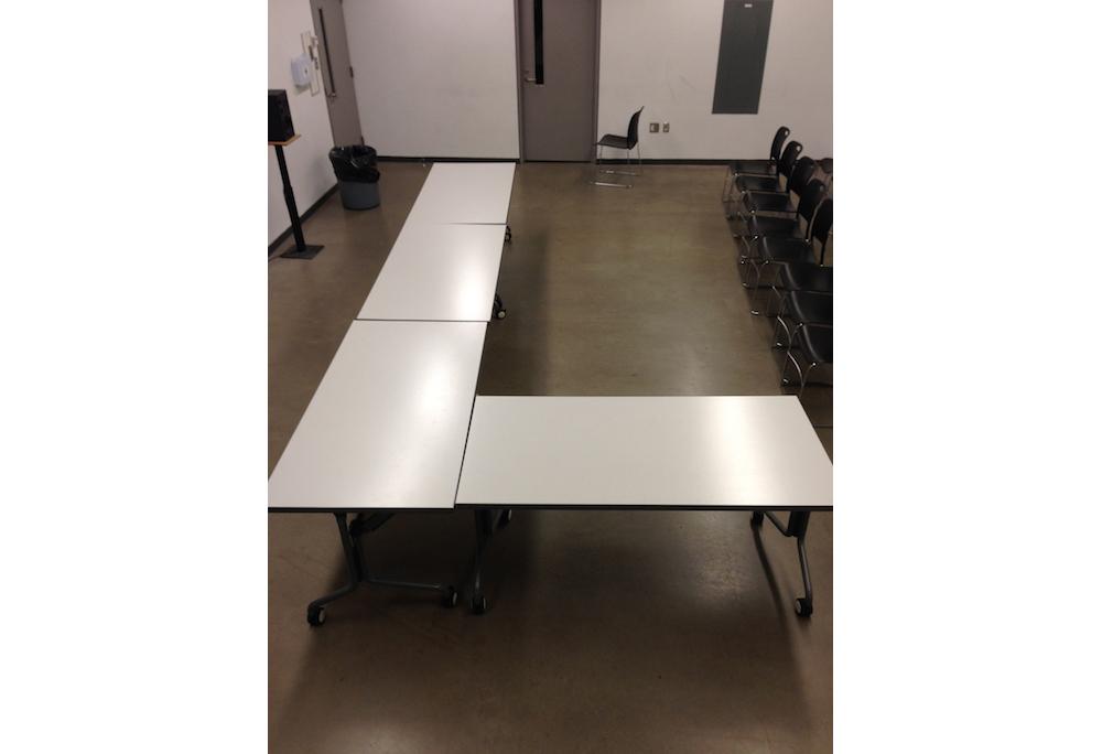 02. Table Arrangements